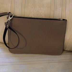 NWOT - ZARA Leather Wristlet